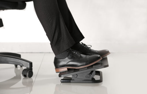 Height adjustable footrest