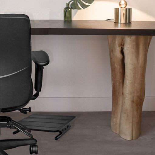 Office chair with footstool