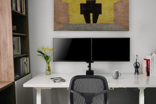 Sierra desk - yogiflex - gmesh chair